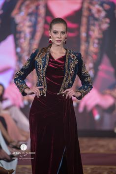 Selma BOULCINA - Caftan Du Maroc Indian Fashion Dresses, Muslim Fashion, Fashion Outfits, Punjabi Dress Design, Pakistani Mehndi Dress, Velvet Dress Designs, Lace Dress Styles, Velvet Fashion, Western Dresses