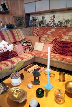 Eames House <-----Erin, I simply posted because of this. Moroccan Room, Style Oriental, Room Of One's Own, Charles & Ray Eames, Bohemian Interior, Vintage Interiors, Room Accessories, Inspired Homes, Decoration