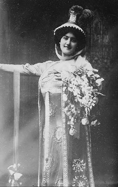 Italian opera singer Carmen Melis (1885-1967) as Tosca