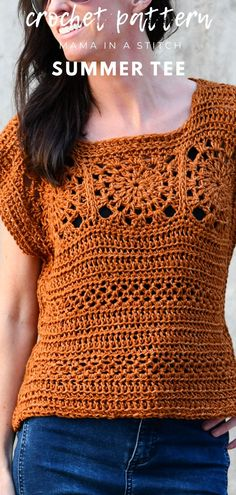 Crochet Squares 40605 This summer tee is sooooo cute! I love the granny squares and the color of the yarn. There's a free crochet pattern and pictures to help you make the granny squares. Diy Crochet Top Pattern, Modern Crochet Patterns, Crochet Shirt, Crochet Blanket Patterns, Free Crochet, Crochet Tops, Free Pattern, Crochet Shrugs, Crochet Sweaters