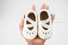 These mary janes can be made in any baby size | www.1dogwoof.com