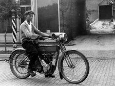 1916 - street scene - Harley