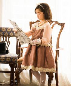 商品番号: PC586 子供ドレス クラシカルレースのぺプラムドレス 長袖 発表会 結婚式 120 130 140 150 160 ゴールド ブラウン キッズドレス 袖あり