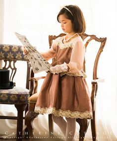 40511ba77ac9b 商品番号: PC586 子供ドレス クラシカルレースのぺプラムドレス 長袖 発表会 結婚