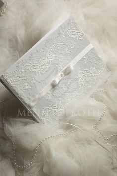 Ευχολόγιο γάμου με Γαλλική δαντέλα