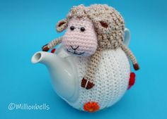 Teacosy Sheep Spring Easter Crochet Pattern Easter Crochet Patterns, Crochet Home Decor, Crochet Kitchen, Sheep, Seasons, Christmas Ornaments, Holiday Decor, Spring, Cute
