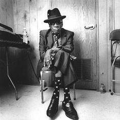 John Lee Hooker - smooooove! My granddad dressed like that. ;)