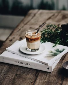 """Any given time is perfect for """"""""a good coffe"""""""" and the favorite style is undoubtedly the warm espresso. Coffee And Books, I Love Coffee, Coffee Break, Morning Coffee, Black Coffee, Coffee Mornings, Coffee Cafe, Iced Coffee, Coffee Drinks"""
