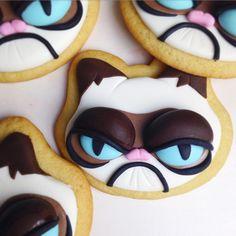 Who you callin' Grumpy? What doesn't make me grumpy? No Bake Sugar Cookies, Cat Cookies, Fondant Cookies, Cupcakes, Royal Icing Cookies, Yummy Cookies, Cupcake Cookies, Cake Pops, Cookie Designs