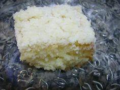 Bolo toalha felpuda fácil  INGREDIENTES  Massa: 4 claras 4 gemas 2 1/2 xícaras de açúcar 3 xícaras de farinha 1 colher de fermento 1 1/2 xícaras de leite quente 1 colher de margarina Creme: 2 1/2 xicara de leite 1 1/2 xicara de açúcar 100 g de coco ralado 1 lata de leite condensado MODO DE FAZER  Massa: Bata as gemas, o açúcar e a margarina até formar um creme Junte a farinha, o leite e o fermento Bata as claras em neve Misture tudo e coloque para assar em uma forma untada Tempo médio 40…