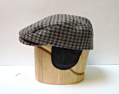Men's Driving Cap in Gray Houndstooth Wool with by bonniesknitting, $80.00