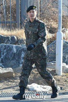 Kim Hyun Joong: serving the military Korean Star, Korean Men, Asian Men, Kim Bum, Kim Joong Hyun, Song Joong Ki, Boys Over Flowers, Asian Actors, Korean Actors