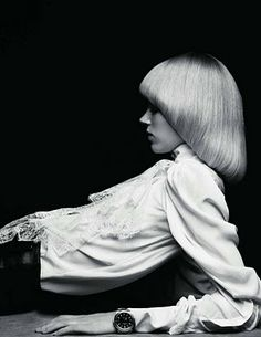 1970s pageboy haircut