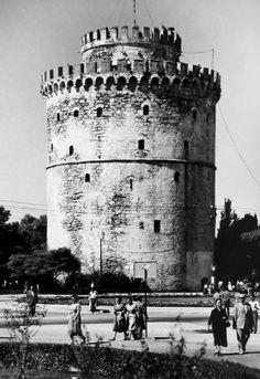 Ολόγυρα και πάνω στο Λευκό Πύργο Thessaloniki, Yesterday And Today, Macedonia, Old Photos, Greece, History, Country, Ghosts, City