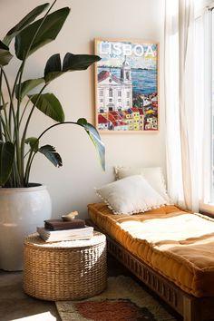 Minimalist Interior, Minimalist Bedroom, Minimalist Home, Minimalist Apartment, Home Decor Bedroom, Diy Home Decor, Diy Bedroom, Bedroom Artwork, Warm Bedroom