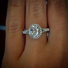 Oval halo engagement ring #Diamondsshapes