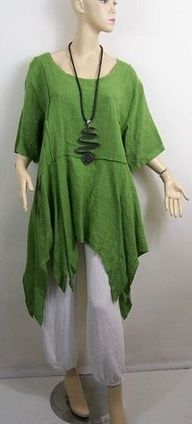 Tunique en lin verte - Lagenlook Tunic Top by La Bass Diy Clothes, Clothes For Women, Estilo Hippie, Do It Yourself Fashion, Altered Couture, Mode Inspiration, Mode Style, Boho Outfits, Wearable Art