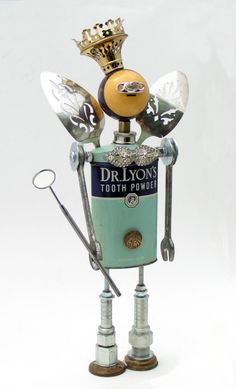 Tooth Fairy by Amy Flynn Designs, amyflynndesigns. I love her Fobots! Recycled Robot, Recycled Art, Found Object Art, Found Art, Altered Tins, Sculpture Metal, Abstract Sculpture, Arte Robot, Toys