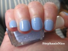 #NOTD Essie Bikini So Teeny