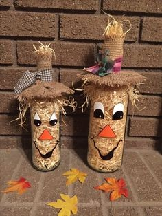 An easy holiday diy for your little tot toddler approved build a photo christmas tree for babies toddlers Autumn Crafts, Fall Crafts For Kids, Holiday Crafts, Diy Halloween, Photo Christmas Tree, Scarecrow Crafts, Scarecrows, Wine Bottle Crafts, Bottle Bottle