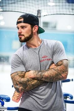 Tyler Seguin *insert heart eye emoji here* Tyler Seguin, Hot Hockey Players, Nhl Players, Stars Hockey, Ice Hockey, Hot Guys Tattoos, Le Male, Athletic Men, Athletic Supporter