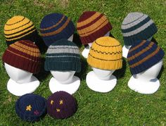 Wizardly Incognito Cap By Dale Hwang - Free Knitted Pattern - Adult And Child Sizes - (ravelry) Harry Potter Baby Clothes, Harry Potter Scarf, Harry Potter Crochet, Loom Knitting Projects, Knitting Yarn, Baby Knitting, Knitting Patterns, Hat Patterns, Yarn Projects