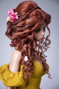 Dieses Produkt hat einen Rabatt von $10 auf unserer Website - http://amadiz-studio.com/  Natürliche Leicester-Schaf benutzerdefinierte Perücke. Für Bestellung verfügbar.  Luxus-Frisur der üppigen Haare mit langen Locken, Zöpfe und vielen Blumen. Erforschen sind abnehmbar. Blüten enthalten.  Die Perücke hat eine elastische Kappe der weißen Farbe mit einem Gummiband, dass du eine Silikonkappe nicht. ~ Unsere Perücken sind vielseitig, sie eignen sich für viele Puppen mit einem ähnlichen…