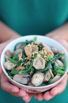 Spinach and Mushroom Stir Fry @Ang Sarap