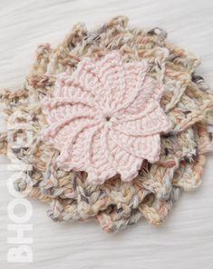 Spiral Crochet Flower Free Crochet Pattern from B. Crochet Stitches Free, Crochet Motif Patterns, Dishcloth Knitting Patterns, Loom Knitting, Spiral Crochet, Form Crochet, Crochet Hooks, Knit Crochet, Baby Jackets