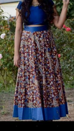 Who doesn't love crop top's?  The crop top trendy is always going to remain in style.....  #CROPTOPS  #LEHANGA  #INDIANSTYLE #FASHION  #DESIGNERWEAR #HAPPYNES Order what'sapp 9573737490