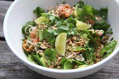 Asiatisk nudelsallad med 5-spice kyckling & het majjo | Catarina Königs matblogg Date Dinner, Cata, Foods To Eat, Summer Recipes, Food Inspiration, Green Beans, Food Porn, Food And Drink, Healthy Eating