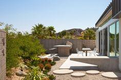 landschaftsbau ideen wüstenhaus trockenpflanzen runde trittsteine