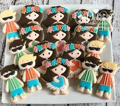 Cutters by Hula girls design by Hawaiian Cookies, Luau Cookies, Fancy Cookies, Royal Icing Cookies, Custom Cookies, Cookie Designs, Cookie Ideas, Cupcake Cakes, Cupcake Ideas