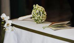 Il bouquet e il libretto liturgico a tema per l'evento. Gli allestimenti di Buccella Associati Wedding Planner e Amatelier.   http://www.amatelier.com/rubriche/amawedding/item/492-sulle-tracce-dulivo