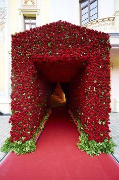 Jeff Leatham flowers.  #Wedding #RedRoses #JeffLeatham