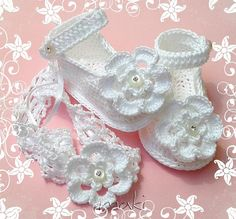 Items similar to PURE WHITE baby booties with headband Crochet pattern. Full of large pictures! Permission to sell finished items. on Etsy Crochet Car, Thread Crochet, Crochet For Kids, Free Crochet, Crochet Baby Sandals, Crochet Slippers, Headband Crochet, Headband Pattern, Baby Headbands