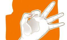 Drei Minuten Finger-Yoga am Morgen, mittags und abends können vorbeugend, aber auch akut bei Kopfschmerz helfen.