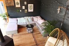 Tuininspiratie: onze tuinverbouwing en veranda - Follow Fashion Covered Decks, Pool Houses, Outdoor Furniture, Outdoor Decor, Garden Inspiration, Shed, Home And Garden, Lounge, Patio