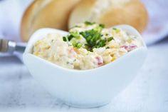 Der Mais-Paprika-#Aufstrich ist ein köstlicher Dip zu Gemüse. Dieses Rezept schmeckt aber auch köstlich zu Hühnersticks.