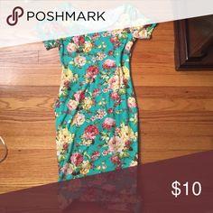 Tom's Ware Floral Dress Adorable, comfy dress. Tom's Ware Dresses Midi