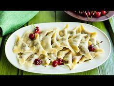 Bună ziua dragi pofticioși. Suntem în sezonul vișinelor și am decis să mă împart cu rețeta mea de COLȚUNAȘI CU VIȘINE. Se pregătesc rapid și pot deveni desertul vostru preferat. Sosul din unt e perfect pentru acești colțunași, e fin, aromat și foarte delicios. Sper să vă placă această rețetă … Romanian Food, Tortellini, Pasta Salad, Food Videos, Sweets, Ethnic Recipes, Crab Pasta Salad, Sweet Pastries, Goodies