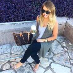 Fall neutral outfit! Follow @alexandrachammer on Instagram for more fashion, beauty and lifestyle posts! ♥