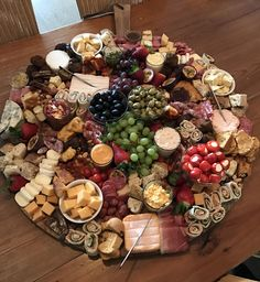 platter plate # fruit and cheese # meat and cheese - Baby Showers Wedding Buffet Food, Food Buffet, Food Platters, Cheese Platters, Tapas Buffet, Snack Platter, Dessert Platter, Antipasto Platter, Charcuterie Plate
