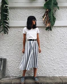 "863 Likes, 4 Comments - Marta | Buganvilia (@buganviliaevents) on Instagram: ""TOP ◾️ vía @maria_bernad #style #streetstyle #amazing #gorgeous #skirt #outfit #socool #lovely…"""