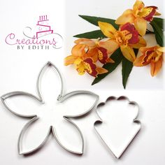 Cymbidium orchid cutter, for fondant, gum paste or cold porcelian flowers Yarn Flowers, Paper Flowers, Fondant Flower Cake, Fondant Rose, Fondant Baby, Fondant Cakes, Orquideas Cymbidium, Paper Flower Patterns, Sugar Paste Flowers