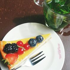 Hotel New York Rotterdam, fruitcake. Photo: @my_colored_life