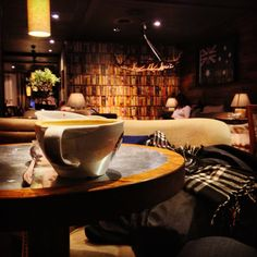 A relaxing cop of coffee in true fantastic environment in Stockholm at Sturegatan