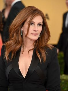 Julia Roberts Faces 'The Worst Year of Her Life' After Her Mother Dies of Cancer | Julia Roberts #JuliaRoberts