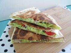 Avocado Quesadilla, Quesadillas, Lunch Recipes, Mexican Food Recipes, Healthy Recipes, Avocado Wrap, Sports Food, I Foods, Food Inspiration