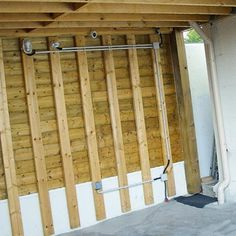 Installation d'une ligne électrique. Membrane Epdm, Construction, Outdoor Structures, Home, Decor, Marquise, Diy, I Will Protect You, Wood Post